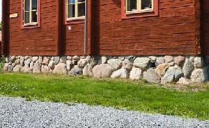 grundmur av sten redigerad