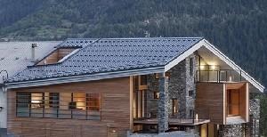 hus på ett berg redigerad