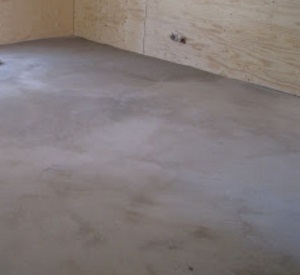hur flytspackel på betonggolv