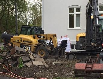 betongplatta mot tillbyggnad källare dränering